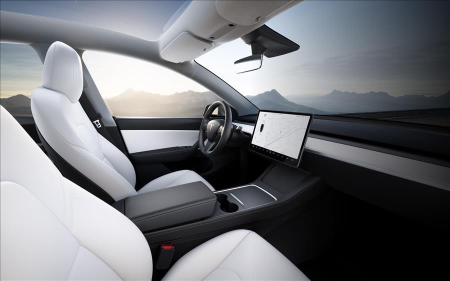 Model-Y-Interior-Hero-Desktop-NA-KR